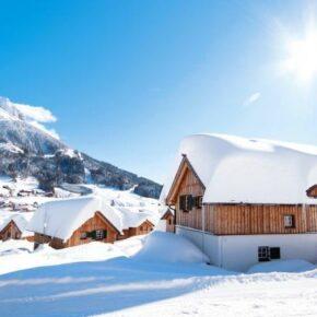 Steiermark direkt an der Skipiste: 8 Tage mit eigenem Chalet ab 307€ p.P.