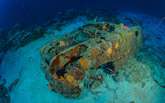 Curacao Tauchen Car Pile