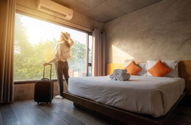 Hotelzimmer Frau Alleinreisende