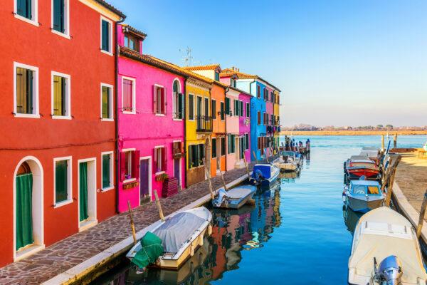 Italien Venedig Burano Bunte Häuser Kanal