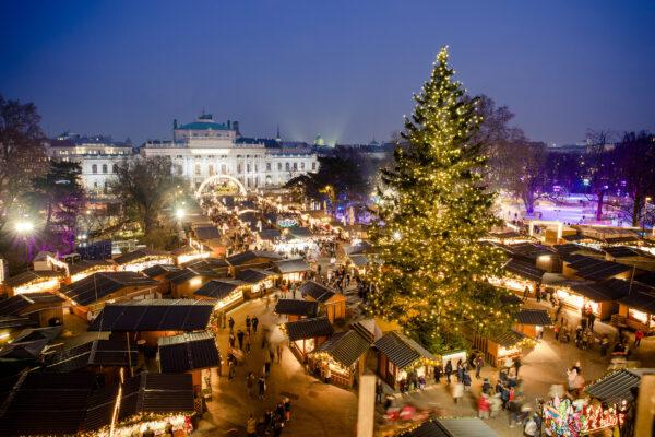 Österreich Wien Weihnachtsmarkt von oben