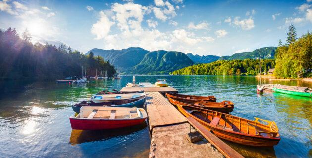 Slowenien Bohinj Lake Steg Boote