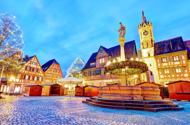 Deutschland Heidelberg Weihnachtsmarkt Platz