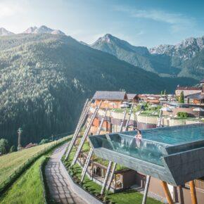 Wellness: 5 Tage in Südtirol im TOP 4.5* Hotel mit Frühstück & Sky-Pool nur 628€