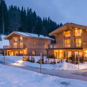 Winter-Trip nach Tirol: 3 Tage im Luxus-Chalet mit Frühstück, Dinner, Privatsauna & Massage ab 370€