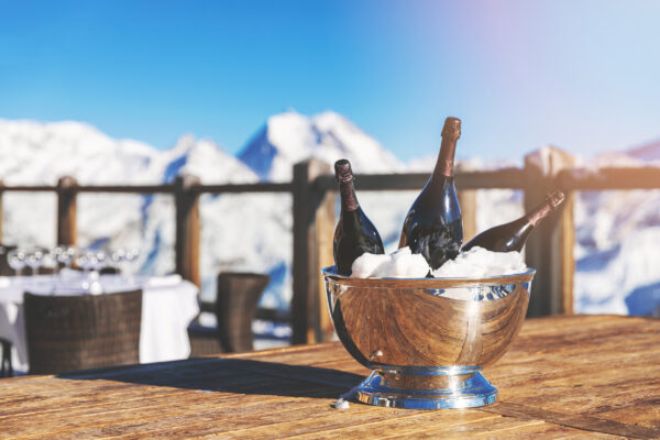 Skiurlaub Luxus Champagner