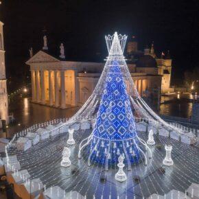 21_Vilnius_Christmas_Tree_photo_by_Saulius_Ziura
