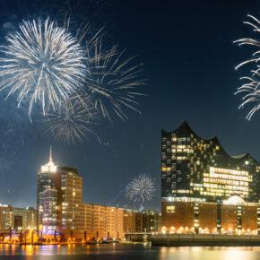 Silvester in Hamburg feiern: Feuerwerk-Tipps & die besten Silvesterpartys für den Jahreswechsel