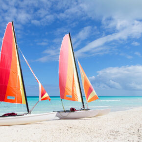 Urlaub direkt am Strand: 7 Tage Kuba im 4* Hotel mit All Inclusive, Flug, Transfer & Zug nur 643€