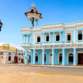 Kubas Perle des Südens: Cienfuegos Tipps für die besten Sehenswürdigkeiten & Ausflüge