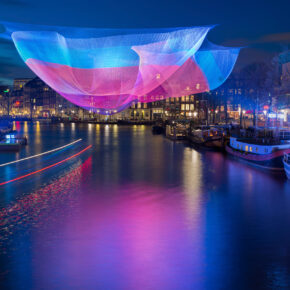 In die Niederlande zum Festival of Lights: 2 Tage Amsterdam im guten 4* Hotel ab 27€
