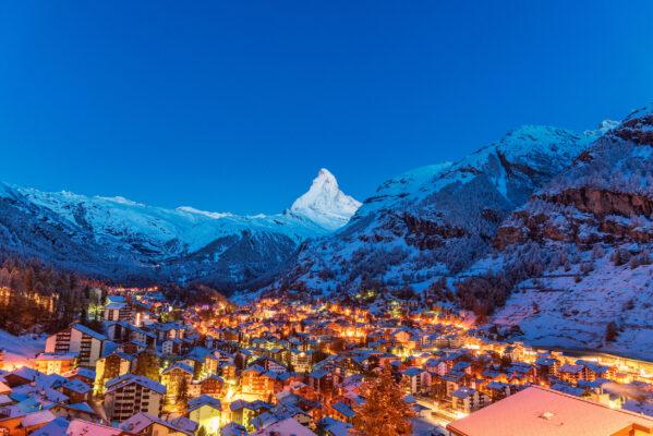 Schweiz Zermatt Morgens Lichter