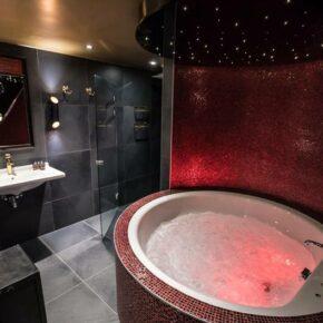 Niederlande Ede Hotel Reehorst Suite Hongkong Whirlpool