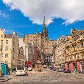 Schottland: 3 Tage Wochenendtrip nach Edinburgh inkl. 3* Hotel & Flug für 55€