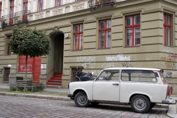 Deutschland Berlin Trabi
