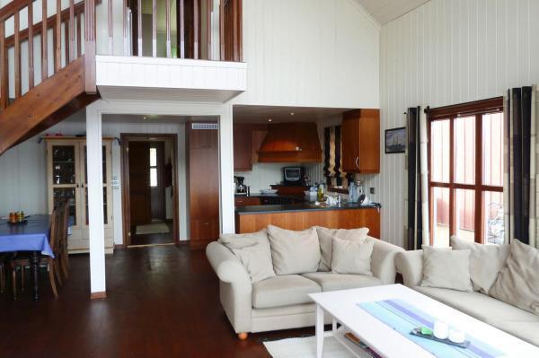 Ferienhaus Eigeroya Wohnzimmer