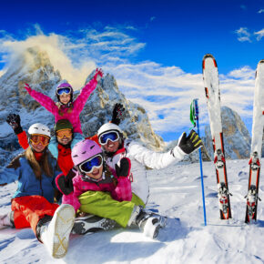 Skiurlaub trotz Corona: Das sind die Regelungen in Deutschland, Österreich, Frankreich & der Schweiz