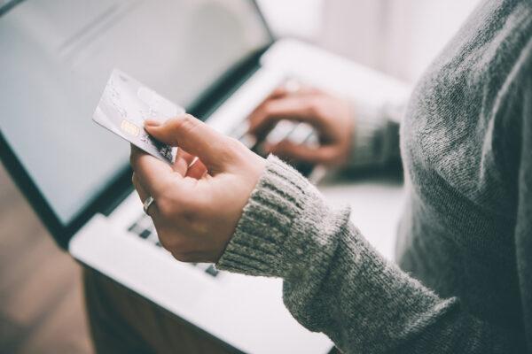 Kreditkarte Laptop