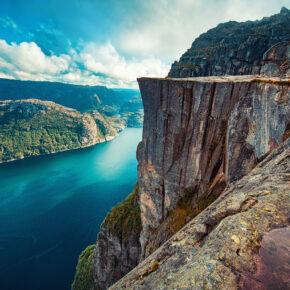 Preikestolen Wanderung: So erklimmt Ihr Norwegens berühmtes Felsplateau