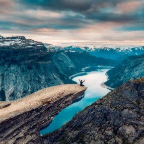 Trolltunga in Norwegen: Tipps & Infos für Eure Wanderung zur berühmten Trollzunge