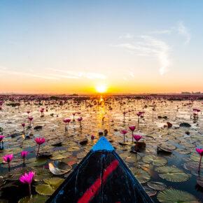 13 Tage Thailand: Hin- und Rückflug zum Red Lotus Lake nur 349€