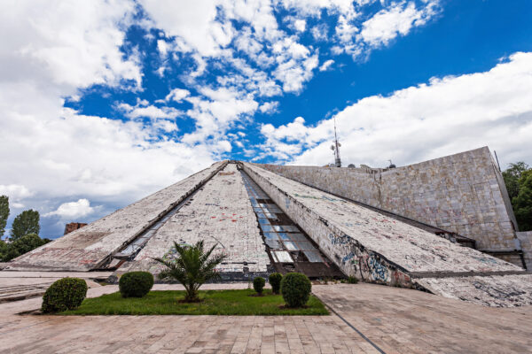 Albanien Tirana Pyramide