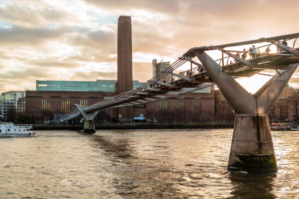 Großbritannien London Tate Gallery of Modern Art Brücke