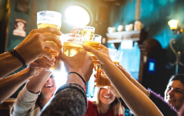 Freunde Kneipe Bier