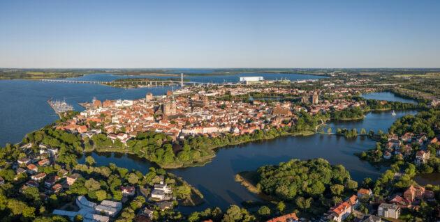 Urlaub in Mecklenburg-Vorpommern: Stralsund Luftbild