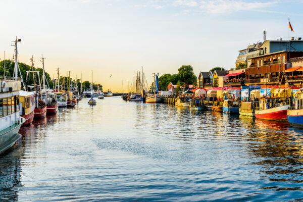 Ostsee Urlaub: Warnemünde Kanal