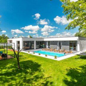 Luxus-Villa in Kroatien: 8 Tage im eigenen Ferienhaus mit Pool & Wellnessbereich ab 210€ p.P.