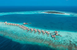 Malediven Luxus: 10 Tage mit TOP 5* Resort, eigener Villa, Pool, AI, Flug, Transfer & Zug nur 4.045€