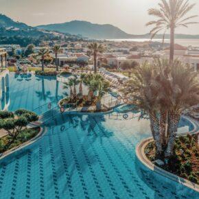 Rhodos: 7 Tage im TOP 5* Hotel mit Halbpension, Flug, Transfer & Zug nur 504€