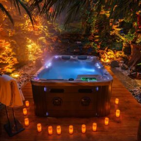 Es wird heiß! 2 Tage im 5* Erotik Hotel mit Frühstück, Pole Dance, Jacuzzi & erotischem Spielzimmer für 258€