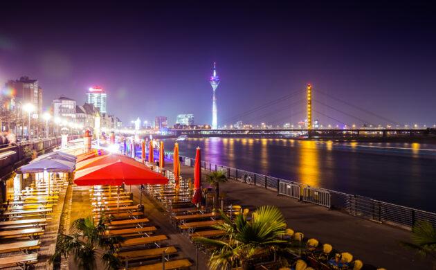 Deutschland Düsseldorf Rheinufer