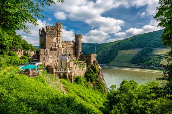Deutschland Bingen Rhein Schloss Rheinstein