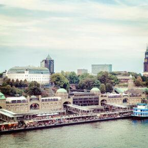 Deutschland Hamburg Landungsbrücken
