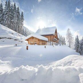 Winter-Trip nach Österreich: 8 Tage im eigenen Chalet mit Jause, Sauna & Whirlpool ab 649€ p.P.
