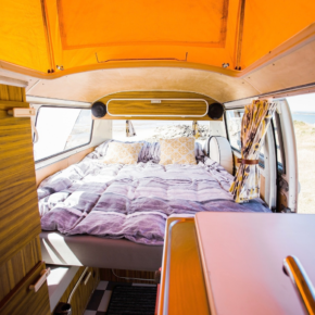 Yescapa Camping Camper VW Westfalia Bett