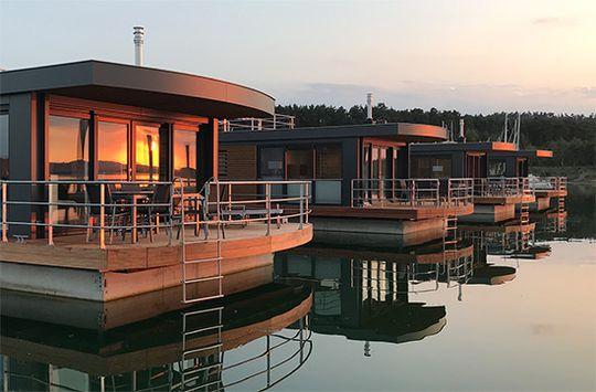 Floating Village Bayern