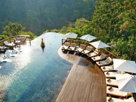 Infinity Pool Hanging Gardens of Bali