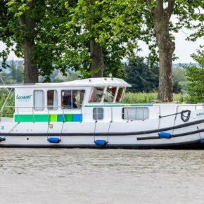 Hausboot an der Mecklenburgischen Seenplatte: 8 Tage auf dem Fleesensee für 256€ p.P.