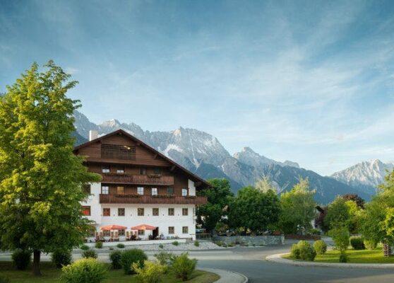 Familien-Landhotel STERN Tirol