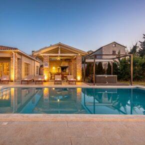 Luxus-Villa in Kroatien: 7 Tage Istrien mit Privat-Pool, Jacuzzi & mehr für 219€ p. P.