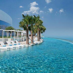 Krasser Infinitypool über Dubai: 7 Tage im TOP 5* Luxus-Resort mit Frühstück, Flug, Transfer & Zug für 1.458€