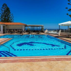 Hochsommer: 7 Tage Kreta im TOP 4* Hotel mit Halbpension, Flug, Transfer & Zug nur 544€