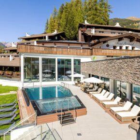 Auszeit in Tirol: 3 Tage im 3* Hotel mit Infinity-Pool inkl. Halbpension nur 139€