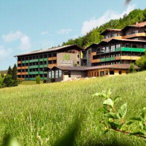 Nachhaltiges 3.5* Panoramahotel: 3 Tage im Bayerischen Wald mit Frühstück & Wellness für 129€