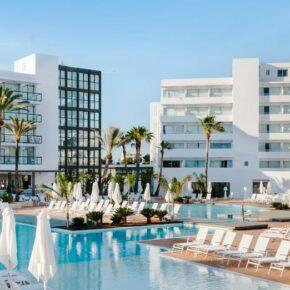 Luxus auf Ibiza: 5 Tage im 4* Adults Only Hotel mit All Inclusive & Flug nur 509€