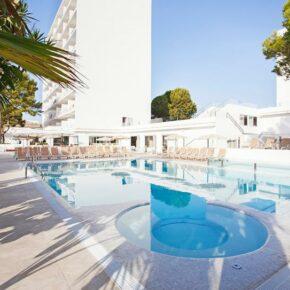 Mallorca: 4 Tage im tollen 4* Hotel mit Halbpension, Flug, Transfer & Zug nur 296€